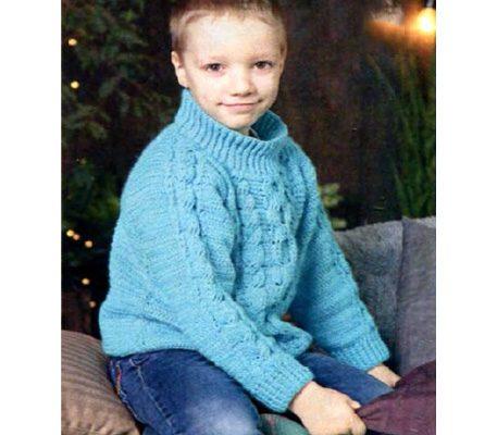 Вязаный детский пуловер крючком с косами