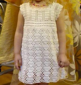 Детское необыкновенное летнее платье крючком. Схемы, описание
